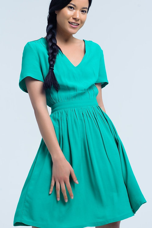 Mini Green Dress With Flight and Detail on the Shoulders
