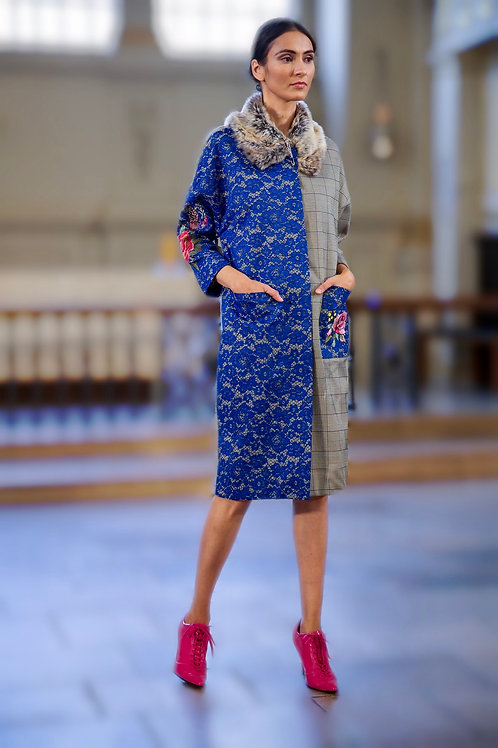 Coat with lace combined with floral embroidery