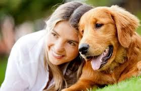 rodeie-se de vida, cachorro, animal, moça feliz