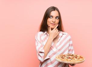 O QUE EXATAMENTE VOCÊ DEVE FAZER COM A PIZZA?