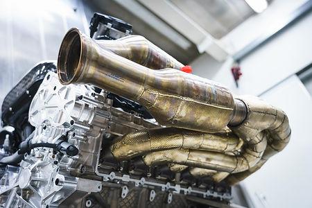 1654331_Aston Martin Valkyrie Engine (13