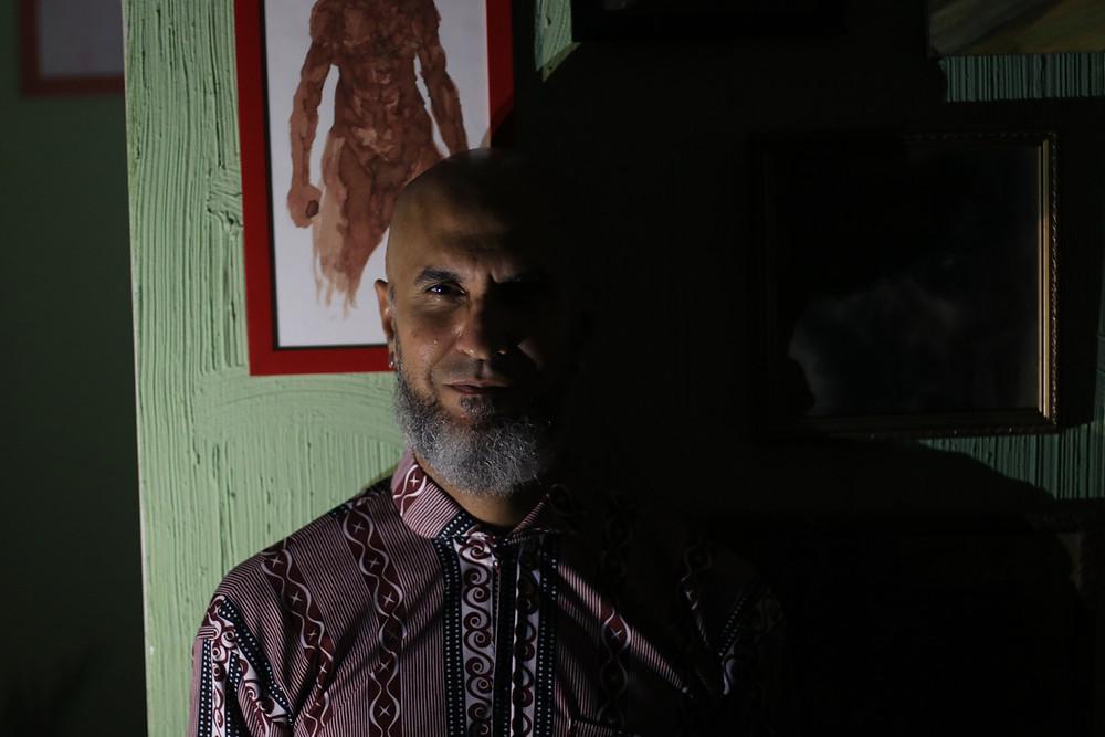 Escritor Nilton Resende. Foto: Josué Seixas