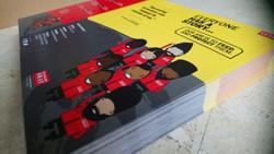 tri fold leaflets
