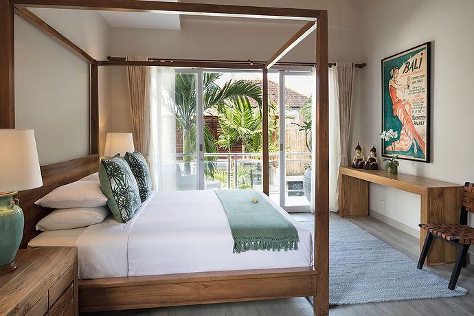 Villa Bebek main-en-suite bedroom with king-size bed & private balcony.jpg