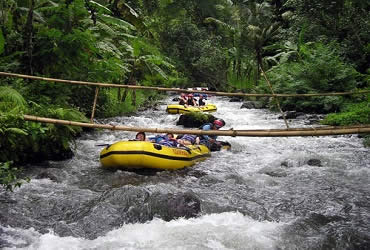 Andrenalise with white water rafting