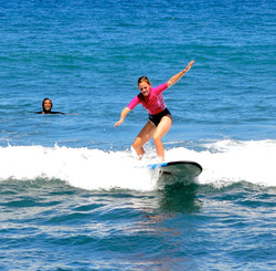 Learn to surf Indo