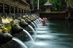 Purify at Tirtha Empul temple