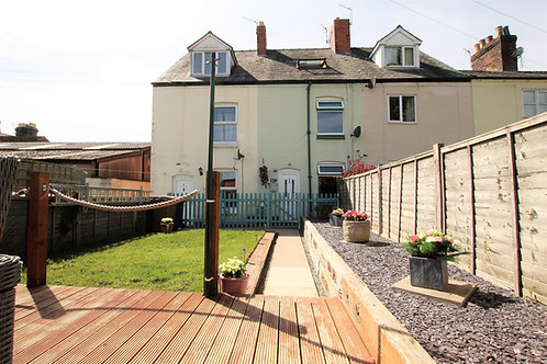 2 Bed Three Storey Mid Terrace Town House - Park Terrace, Oswestry