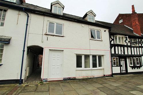 1 Bed Ground Floor Garden Apartment - Welshpool