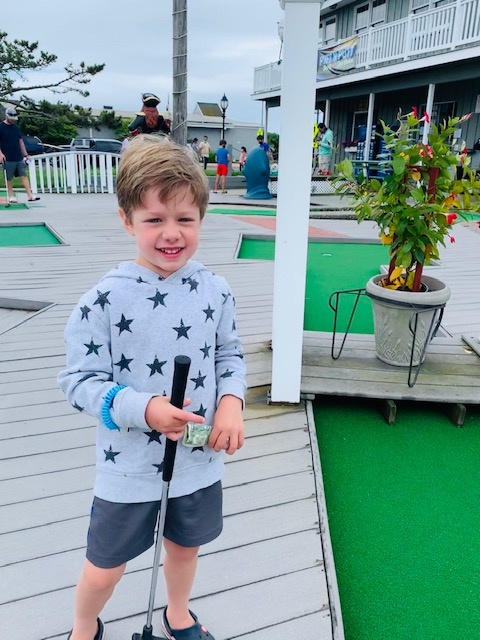 Carter got a hole in one!