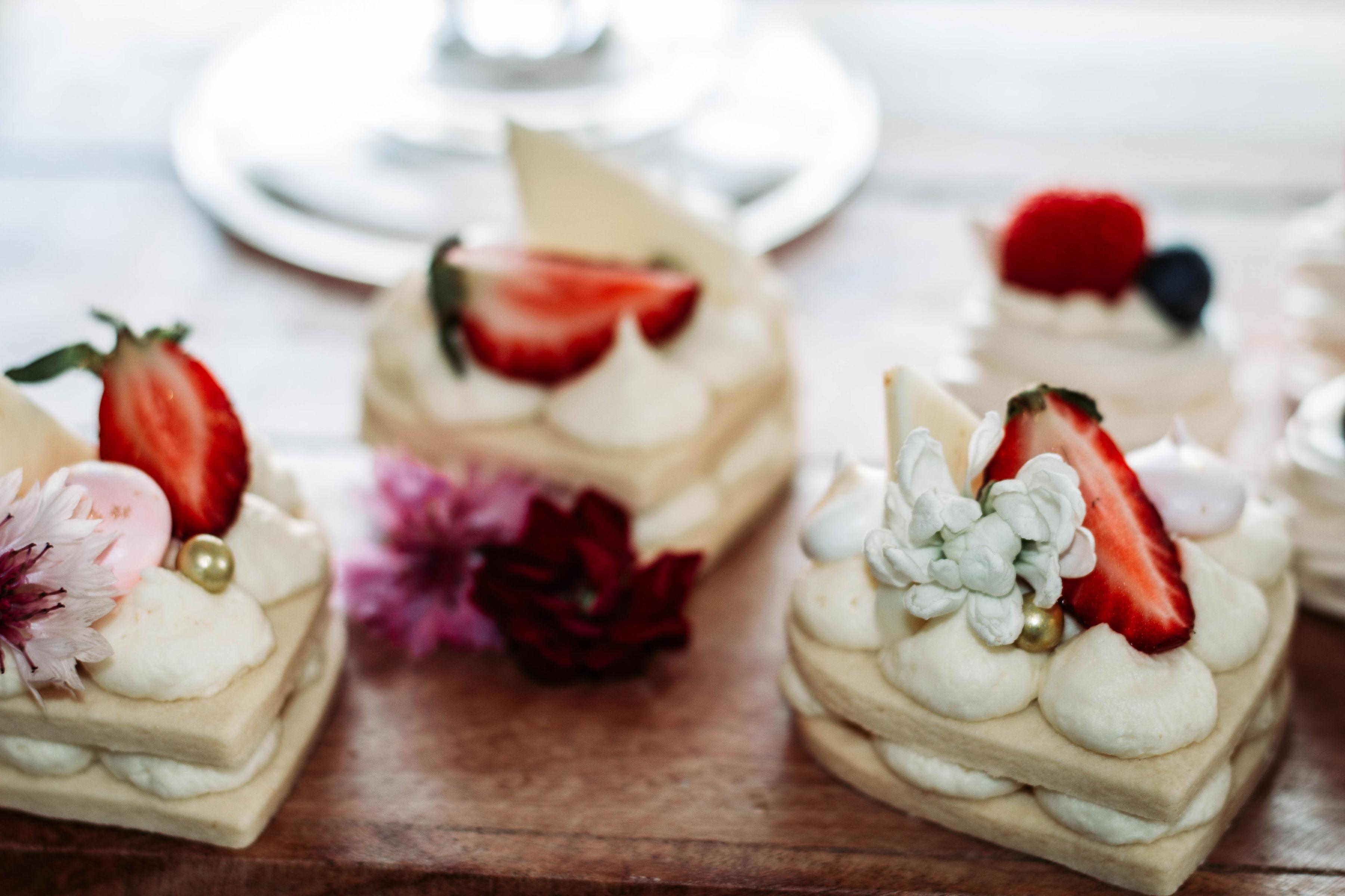 Vanilla Mini Biscuit Cakes