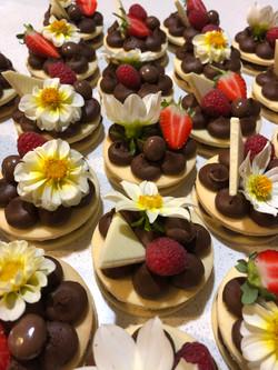 Vanilla Chocolate Mini Biscuit Cakes