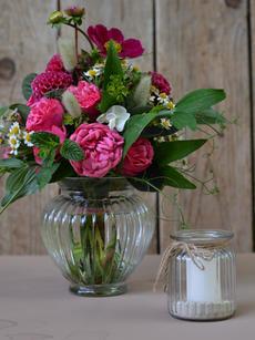 Vintage Vasen in Tulpenfom und gerade