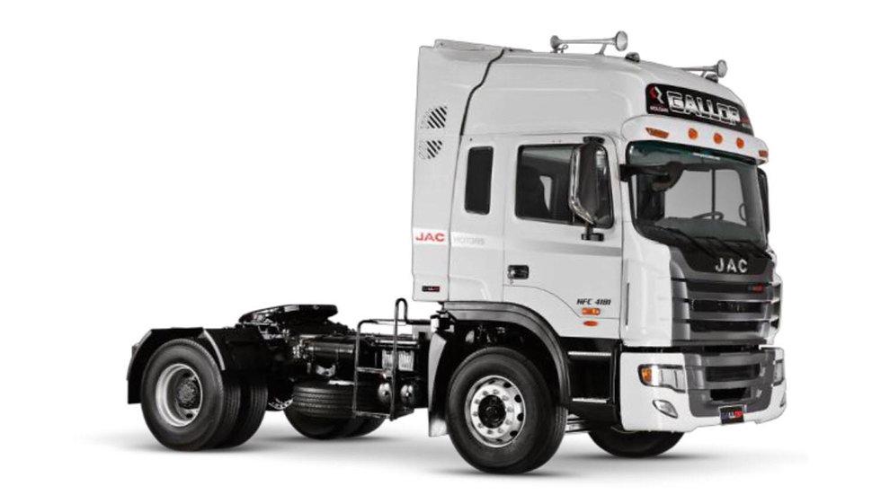 4X2 TRACTOR 340HP - MODEL: HFC4181K3R1