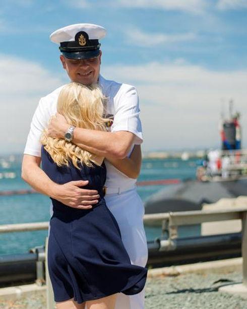 veterans-navy-deployment-home-1054321.jp