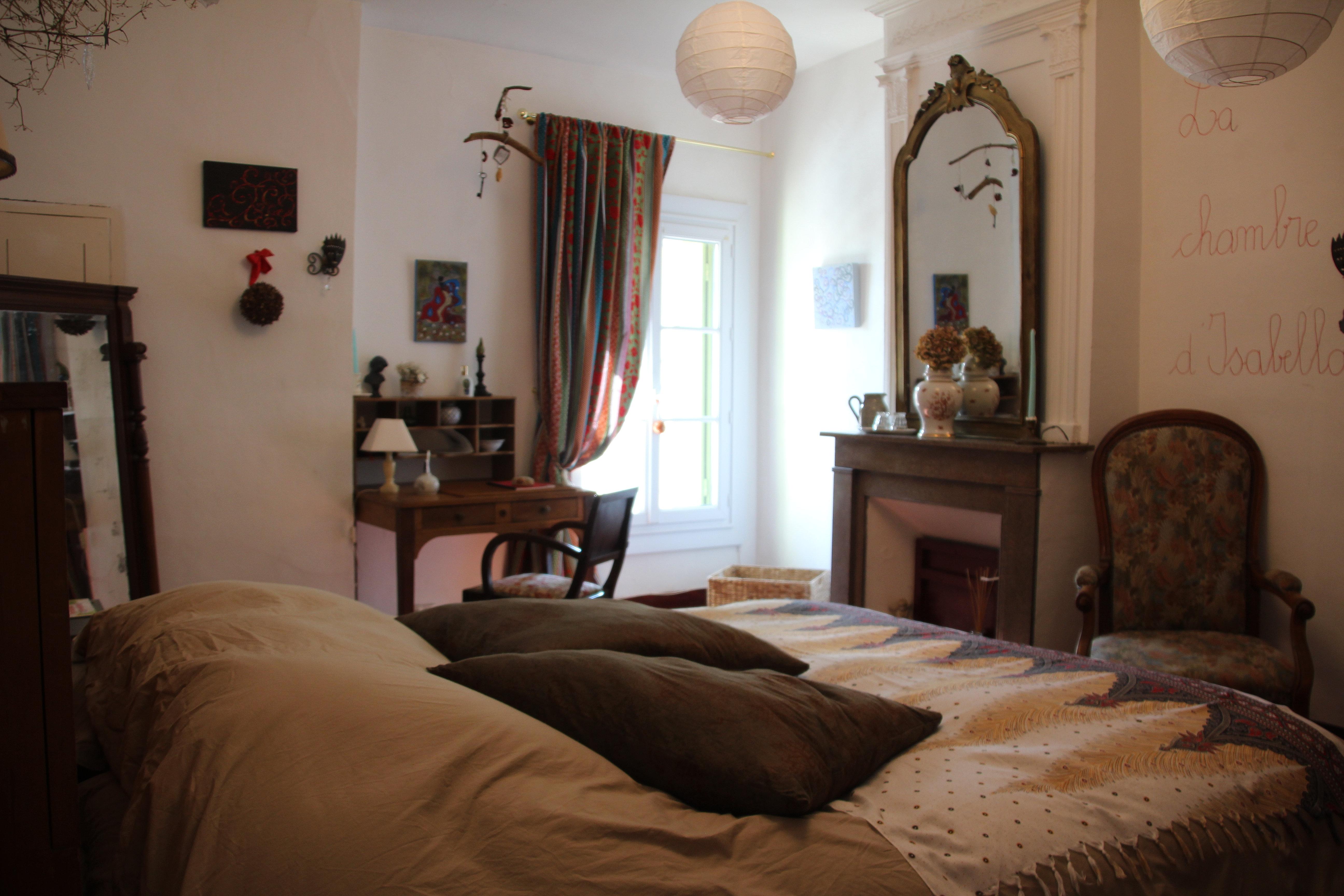 maison sur la place Ceyras chambre d h´tes de charme Hérault