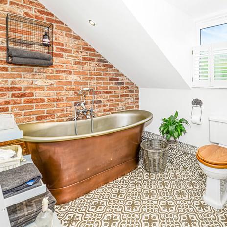 SQUARE Bathroom 2.jpg