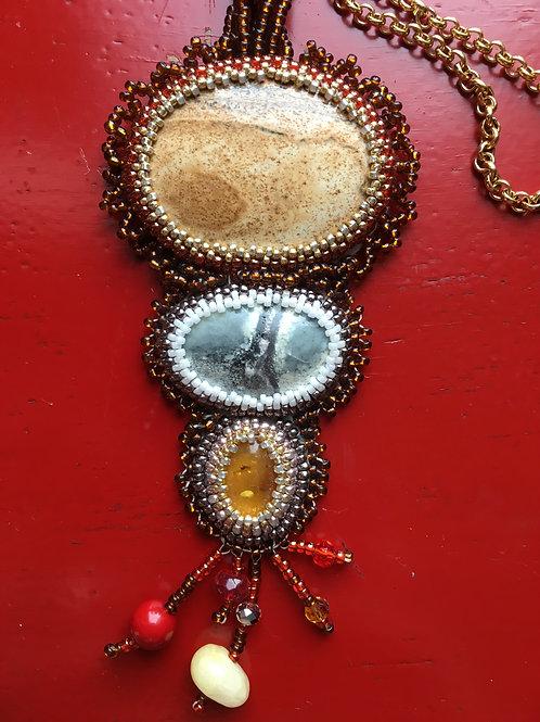 Amber & Jasper: 3 stone goldtone necklace