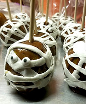 Mummy Caramel Apples