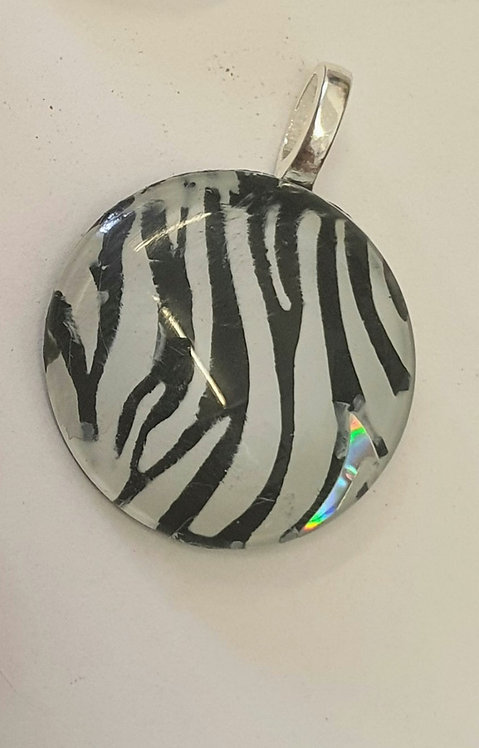 25mm Zebra pendant
