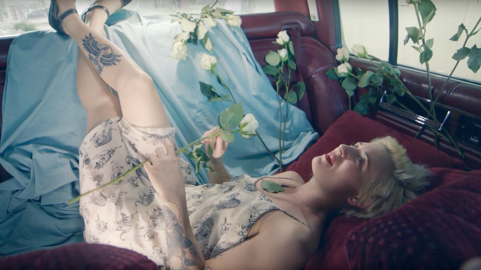 QUEEN EIDER - 'Homebody' | Official Music Video