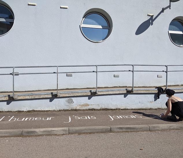 CROUS peinture texte De bas étage.jpg