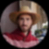 חגי עם כובע קש.png