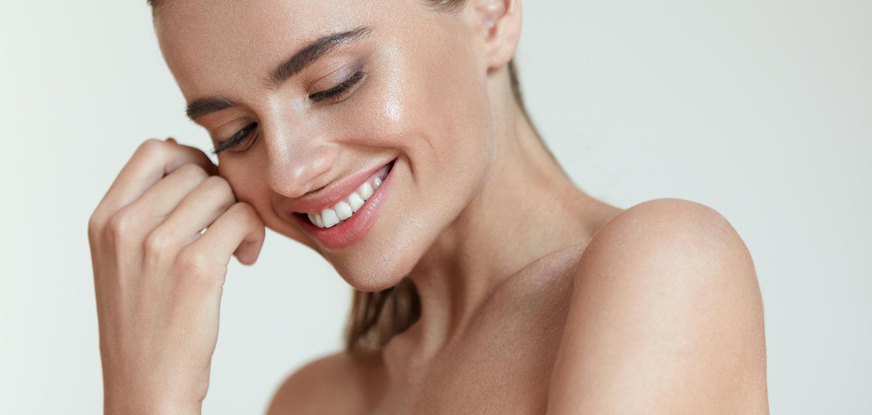 Pure White Cosmetics - Glowing Skin