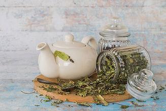 SlowBeauty_Tea-Moments_Leaves.jpg