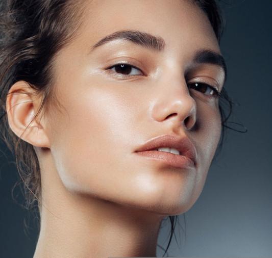 Smoothing-GLow-Primer_Face.jpg