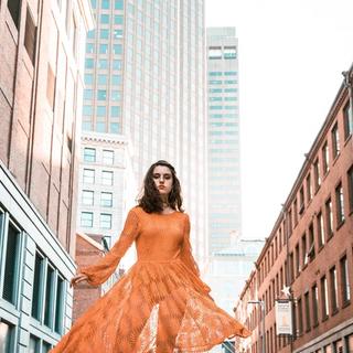 Oranje, kleur van dansen en grenzeloos zijn