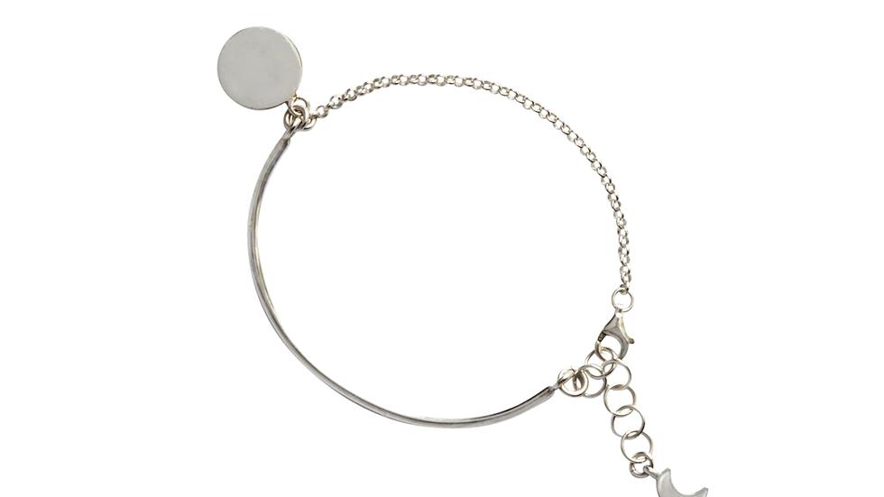 Bar Bracelet with disc