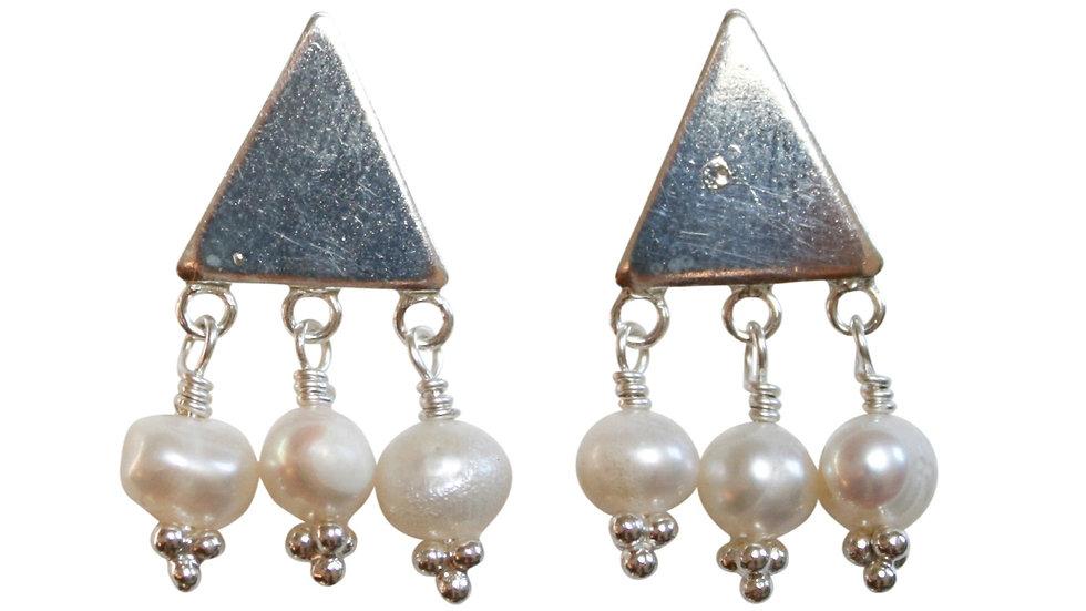 fresh water pearl stud earring