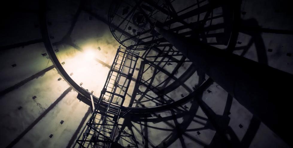Elios 2 in Action 0019 - Light beam refl