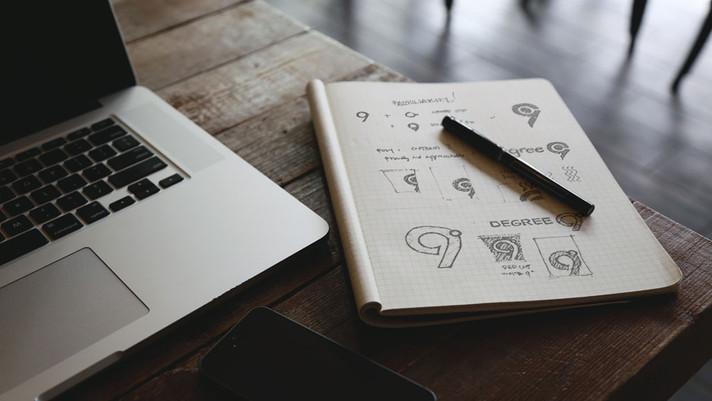 Design Process of Professional Logo Designers