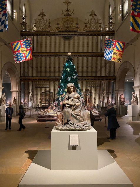 Christmas Tree and Neopolitan Baroque Creche