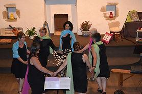 Les chanteuses de Sounurs dansant le demi-tour de Noirmoutier