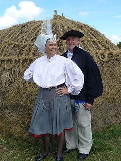 Costume traditionnel des Sables d'Olonnes début XXe