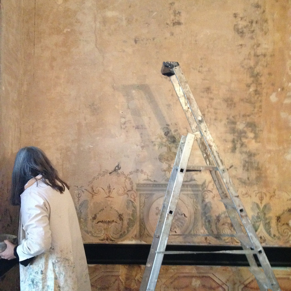 Restoration of the 18th century mural paintings in our guesthouse in Lisbon