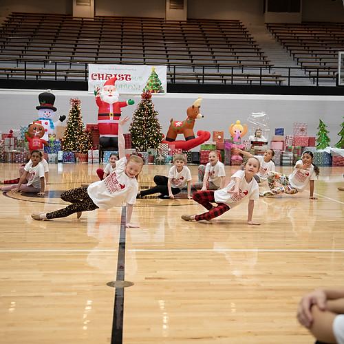 En Croix Dance Academy - CHRISTMAS Celebration