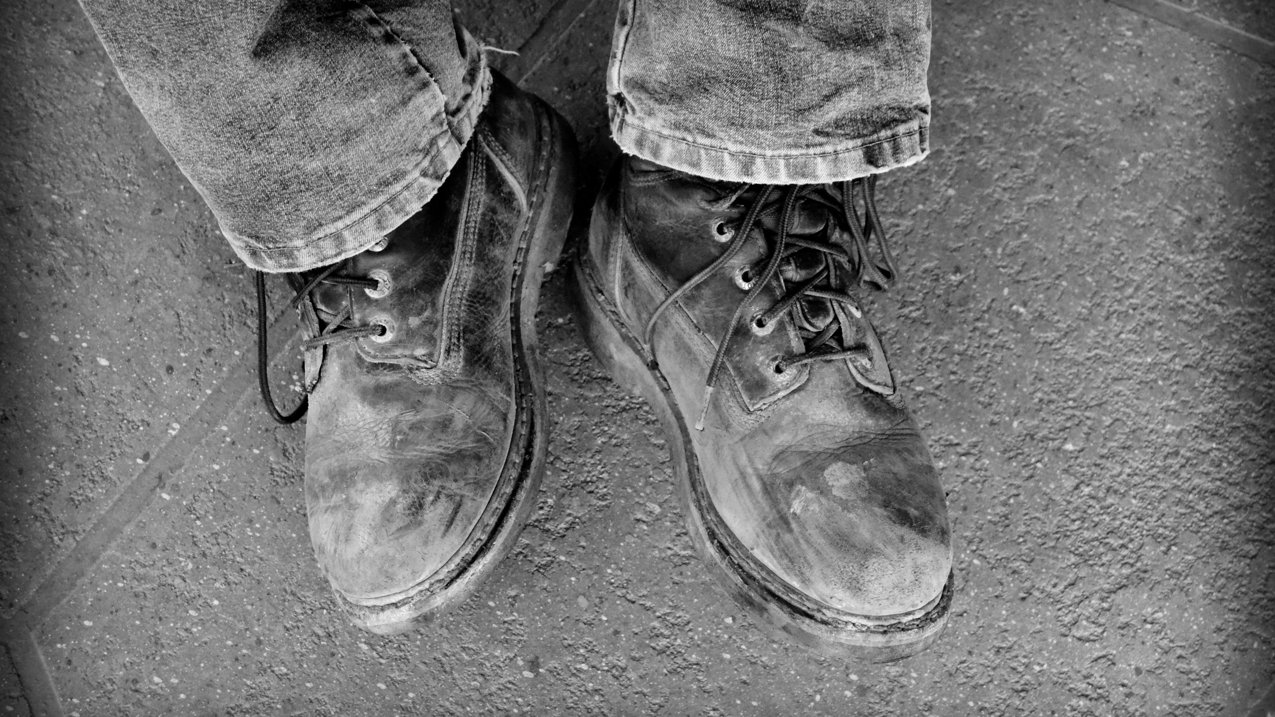dads boots_bw