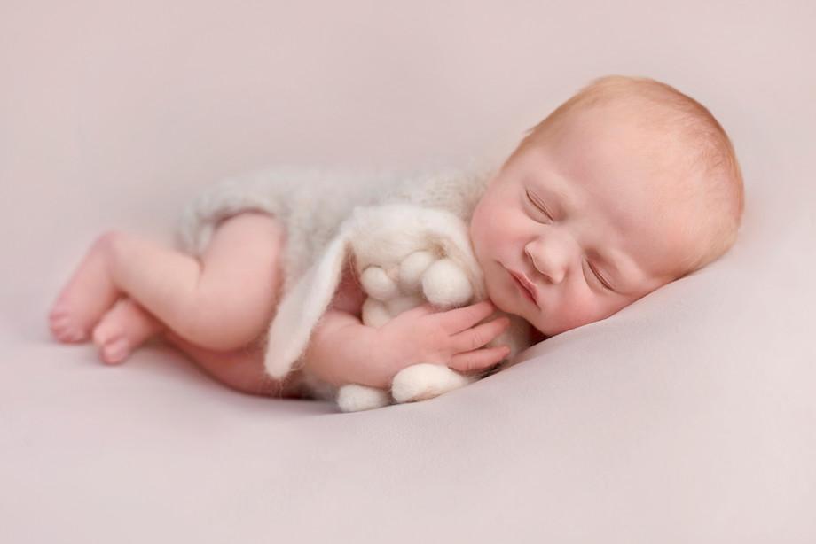 side pose, newborn photography