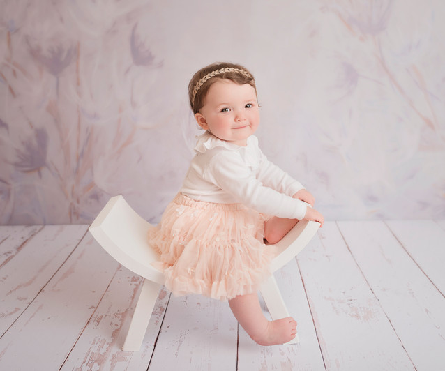 stunning backdrop and baby portrait photographer
