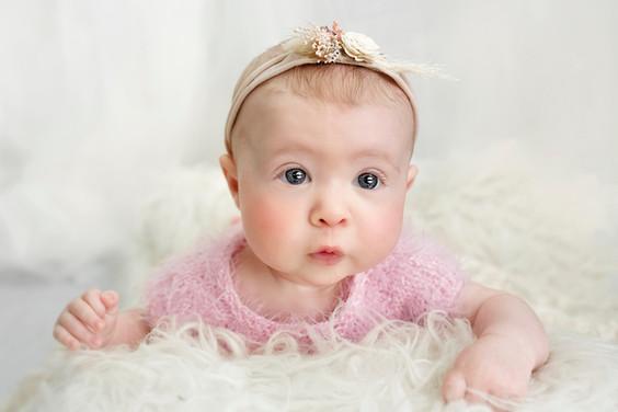 Baby milestone 3 month old photoshoot