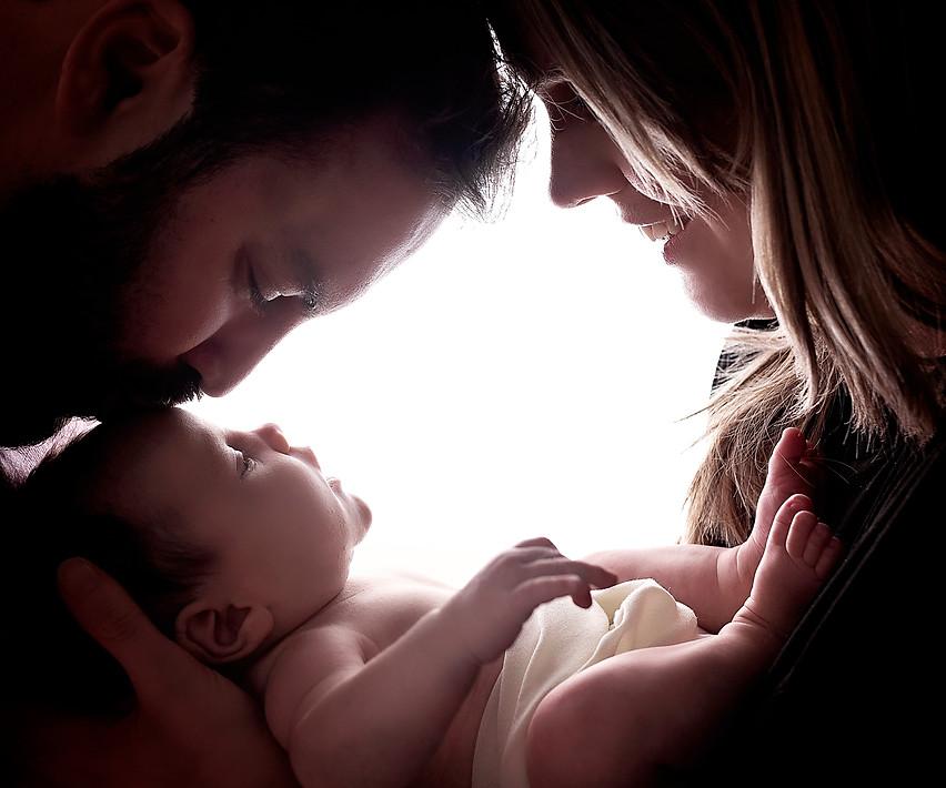 family photoshoot with newborn baby