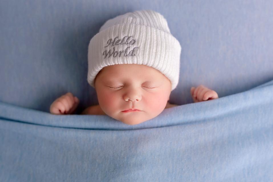 newborn photographer wirral