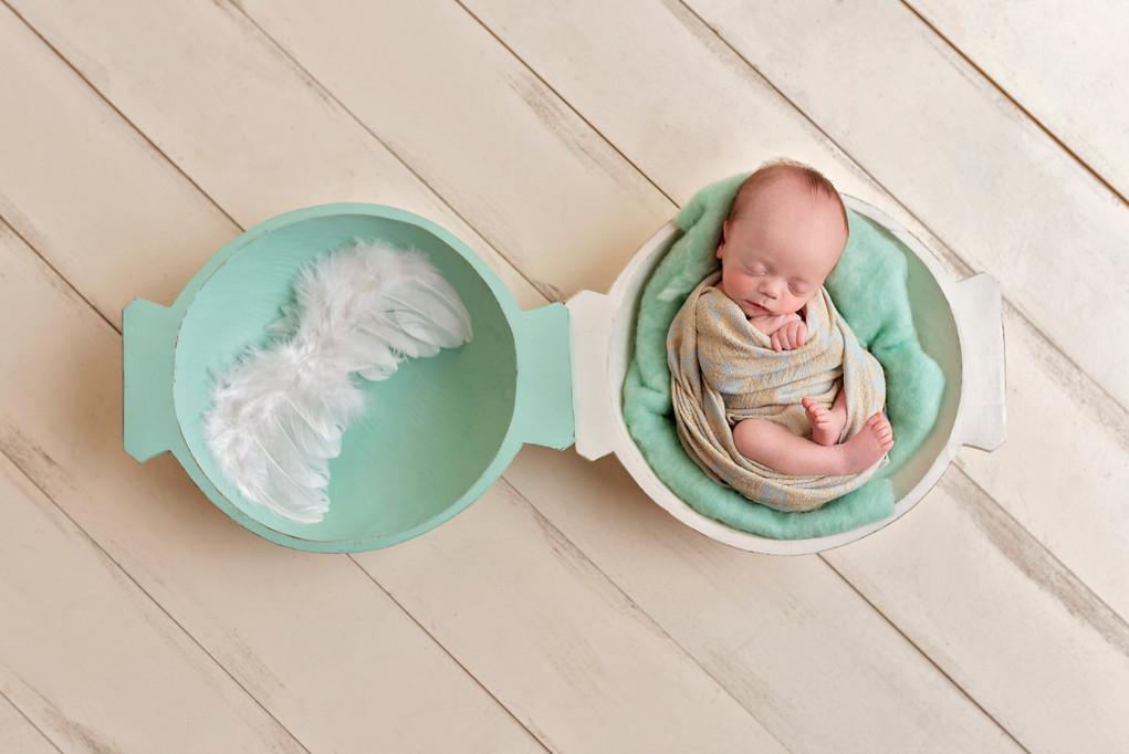stunning and creative newborn photos