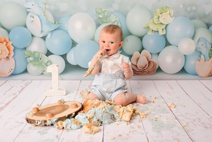 boy cake smash wirral 1st birthday studi