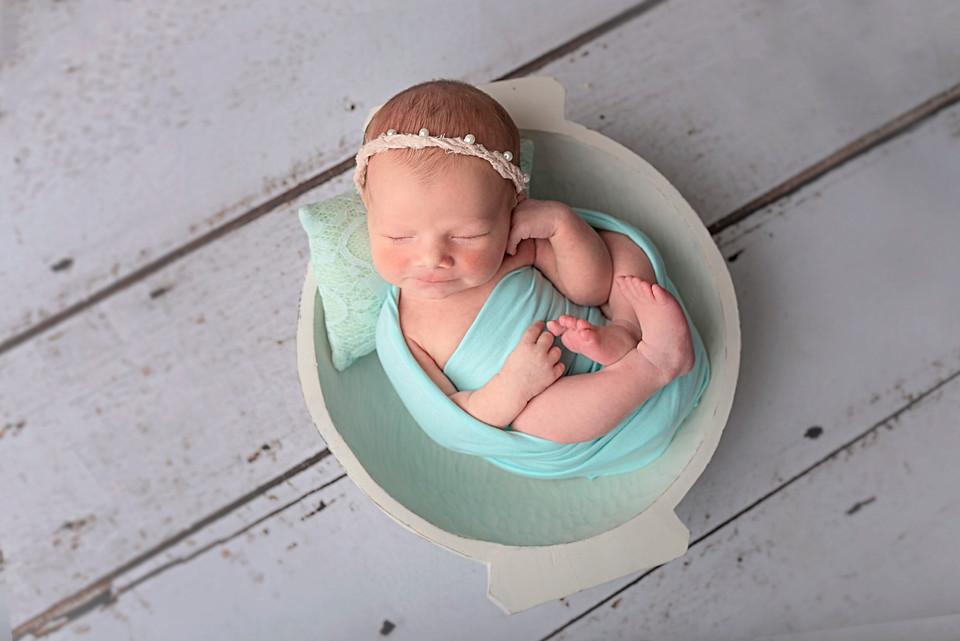 Stunning newborn baby photo shoot Wirral