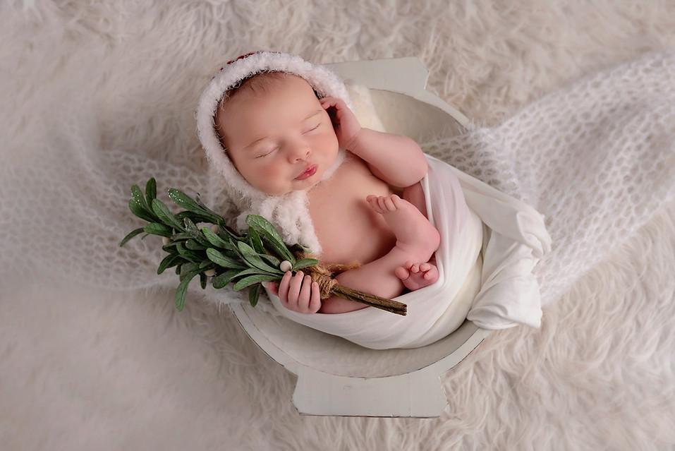christmas newborn photoshoot